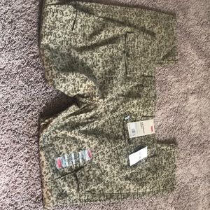 Brand new women's Levi's cargo pants